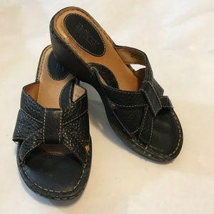 🐣 Born Black Leather Wedge Slide Sandals 7 38